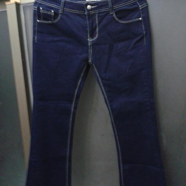 藍色女性牛仔褲