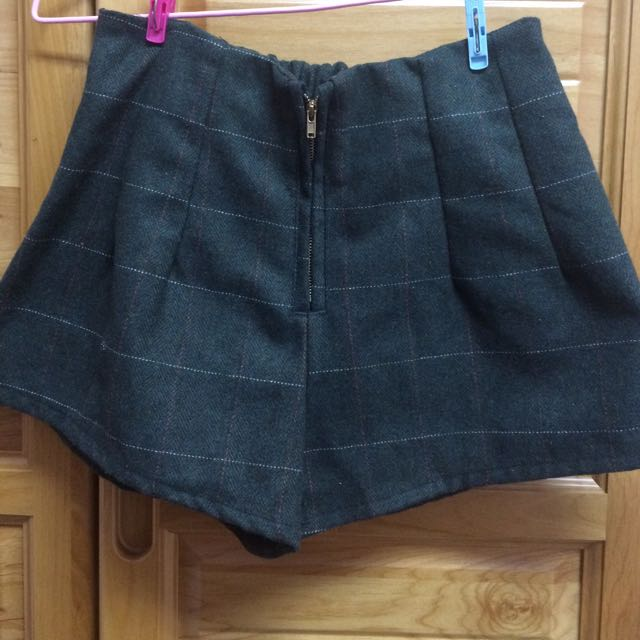 (含運)墨綠格子短褲 全新