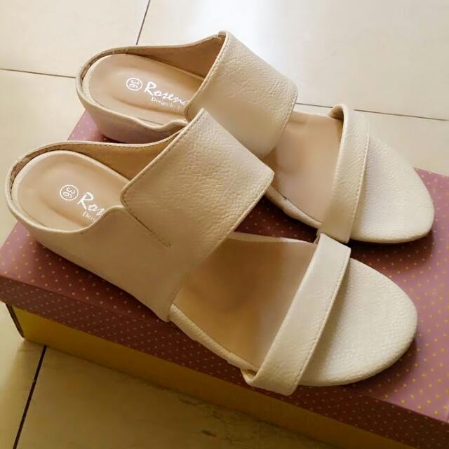 全新 白色拖鞋 涼鞋