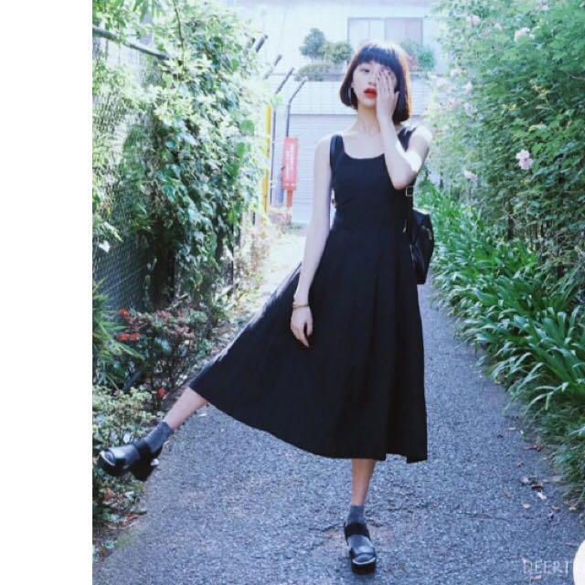 Deer trip 復古日系無袖黑色裙擺長裙