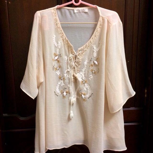 日本lagunamoon寶石綁帶米色質感上衣