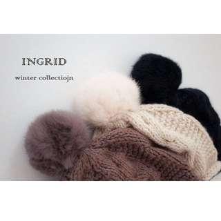 INGRID 兔毛球針織造型圍巾毛帽
