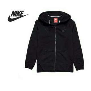 Nike Tech Fleece Aw77-1Mm 黑 素 百搭 秋天 必備 潮流 經典 男款 連帽 外套 559593-012。