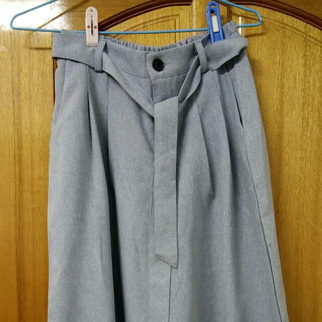 灰藍色寬褲