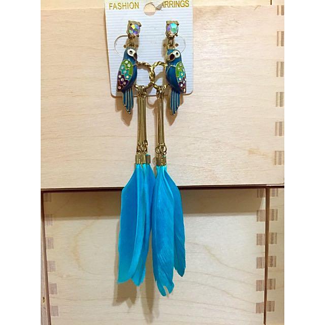 孔雀藍羽毛長耳環