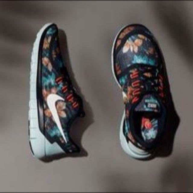 '限量' Nike花草圖藤 5.0 慢跑鞋