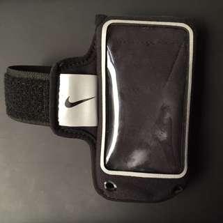 (保留中)Nike 運動臂套