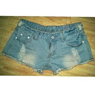 牛仔短褲(全新)