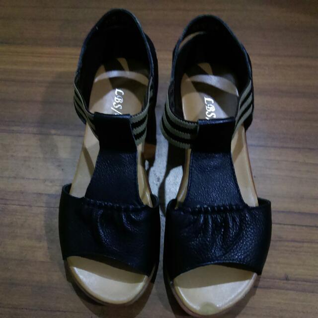 涼鞋(含運)