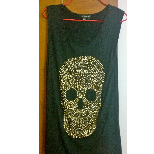 T-shirt with gold pebble scull