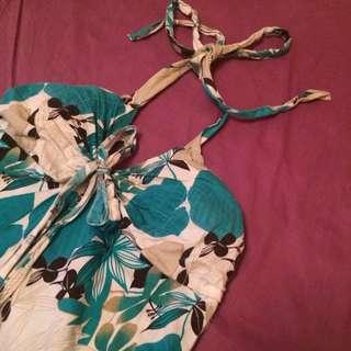 二手🌸渡假風綁帶繞頸花朵露背上衣
