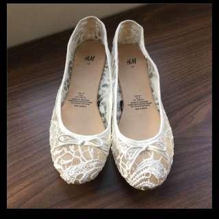 H&M蕾絲平底娃娃鞋花朵