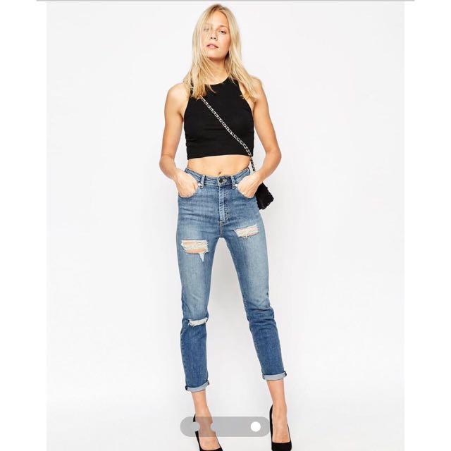 3eae0173ca72 BNWT ASOS Farleigh High Waist Slim Mom Jeans in Pamla Midwash Blue ...