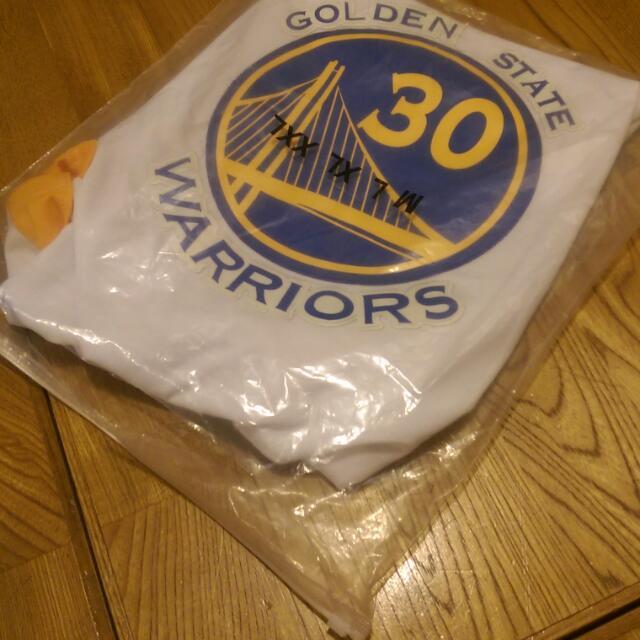 Curry 勇士隊主場球衣