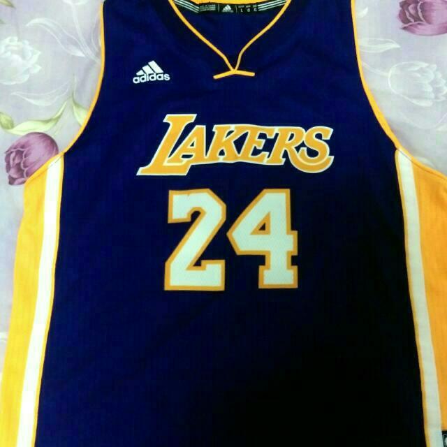 Kobe 紫電繡球衣