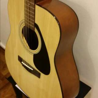 F310P Yamaha Acoustic Guitar (Slightly Used)