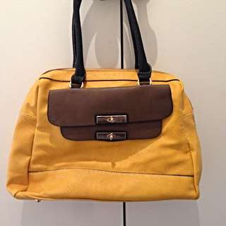 Tahitte Leather Hand Bag