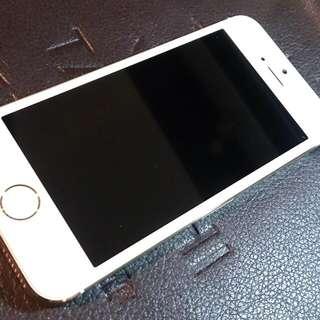 (保留中)IPhone 5s全配附盒(送正版美國潮派Ed.Hardy 背蓋) 可議價。