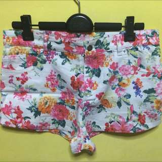 🆕 Tinsel Rack Floral Shorts