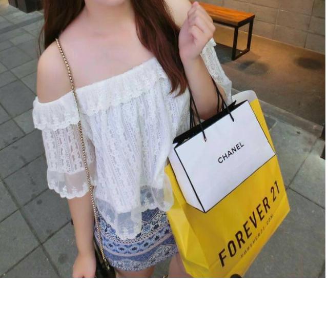 白色精緻質感荷葉領層層蕾絲平口露肩外罩衫