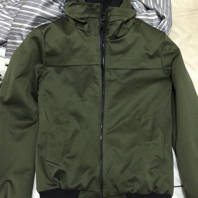 軍綠色 風衣(內羽絨) 似飛行外套