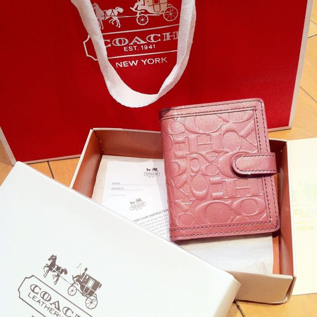 全新珊瑚粉紅漆皮壓紋Coach卡夾名牌夾