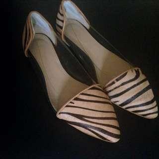 「全新」透明尖頭鞋