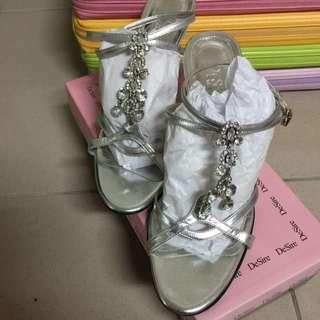 DeSire 水鑽婚紗鞋 二手