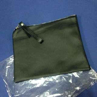 (滿百可贈)黑色 簡易手拿包 收納袋