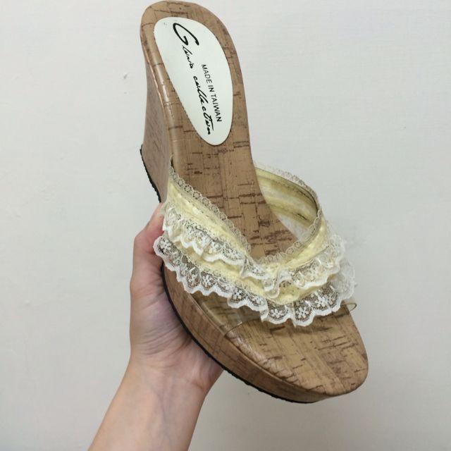 白色蕾絲楔型鞋