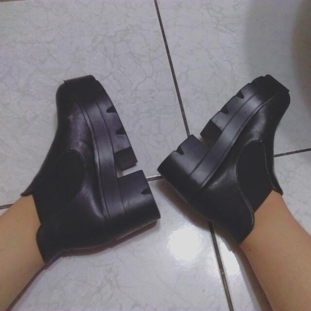 再降✨厚底圓頭黑靴