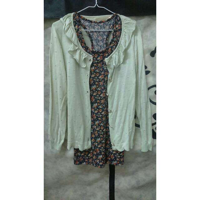 轉賣 白鳥麗子 果綠荷葉領罩衫、 碎花長版無袖背心上衣