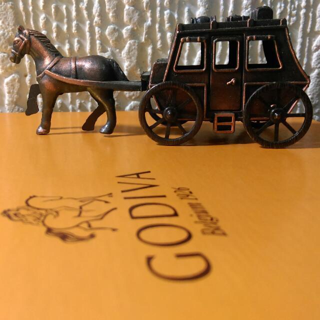 🙈賣家小貨🙈復古質感 金屬 馬車 書桌 擺飾