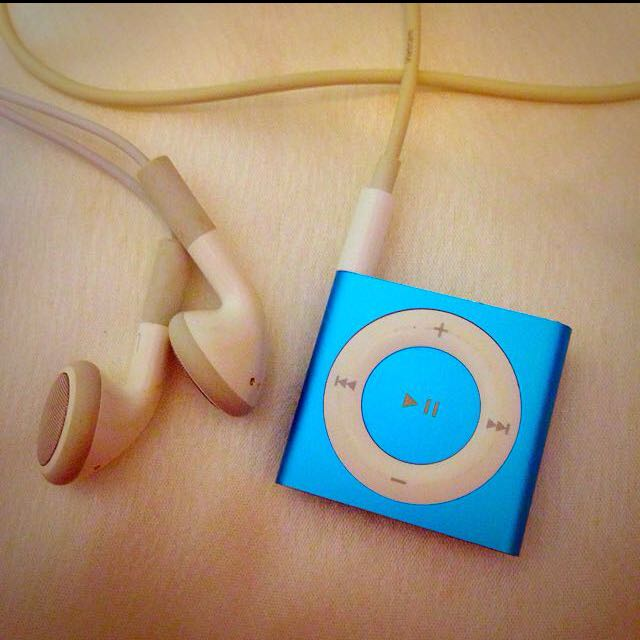 含運!《二手》Apple iPod shuffle 2GB(second hand)