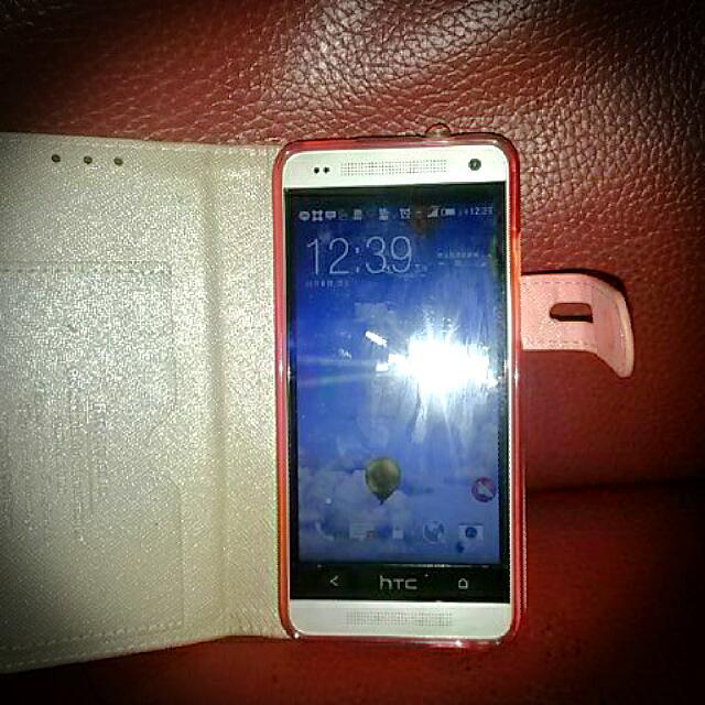 HTC One Mini手機約有9.5新,盒裝,配件皆是全新的^_^
