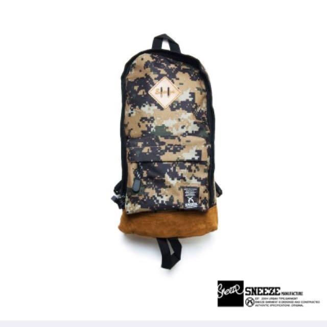 全新》Sneeze - 數位迷彩單肩後背包 - 卡其
