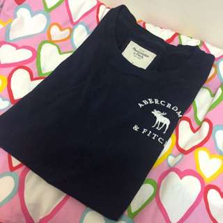 Abercrombie And Fitch a&f胸前刺繡logo短tee 女M