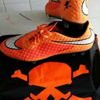 PRICE REDUCED!!First Grade Nike Hypervenom Phantom!!!