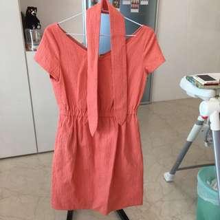 日貨 Un Cadeau 粉橘硬挺連身洋裝附腰帶