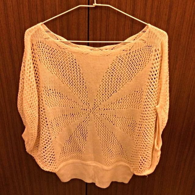 米色蝴蝶衫