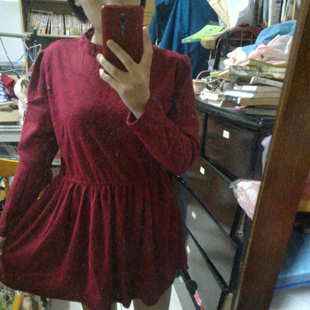 寬鬆酒紅立領洋裝