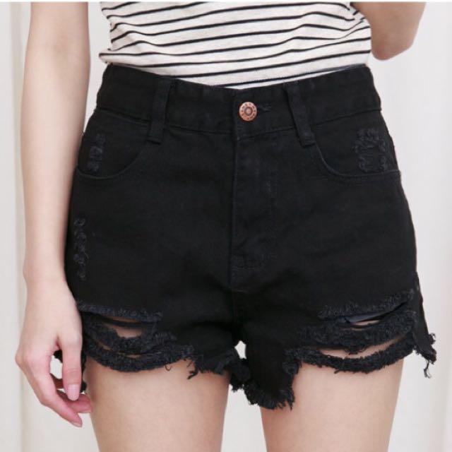歐美感黑色刷破牛仔短褲