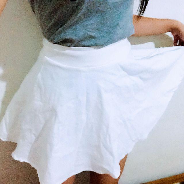✨全新✨白色小傘裙