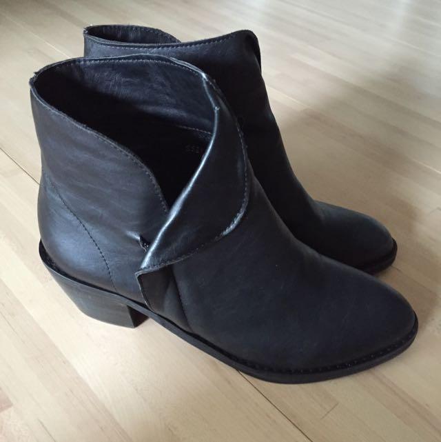 正韓 全新 斜口粗跟短靴 (含運)25 40號