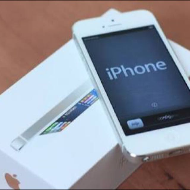 White iPhone 5 Perfect Working Condition Negotiable