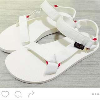 👟Teva 白色經典款涼鞋👡