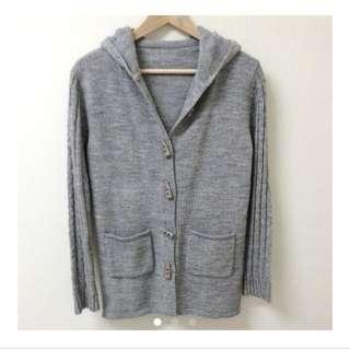 特價✨牛角針織外套