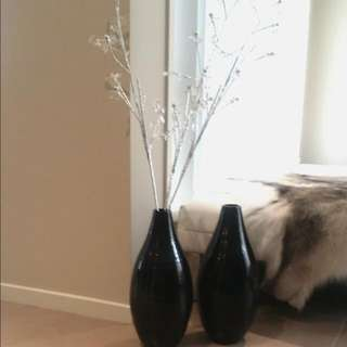 Black Gloss Decorative Vase x2 With 3 Crystal Silver Decorative Sticks
