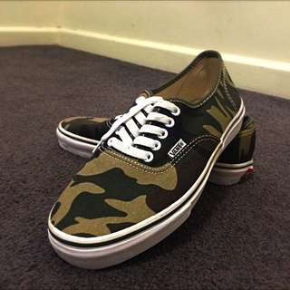 VANS size Mens US 8, Brand New. PICK UP / Drop At CBD ONLY