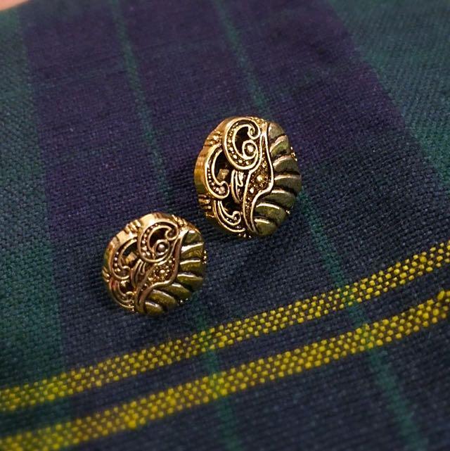 古典風金色針式耳環